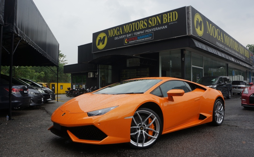 Reviewed: Lamborghini Huracan LP610-4! Beautiful V10 Beast!