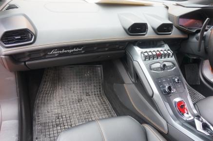 Lamborghini Huracan Passenger's Interior View