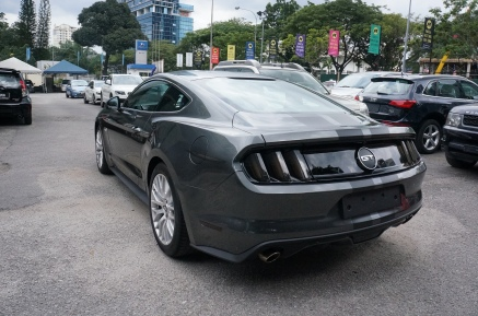 Ford Mustang GT 5.0 V8 2016 - Rear View